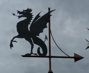 dragonhrld.jpg
